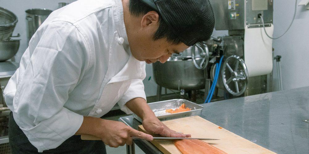「キッチンカーって便利なだけじゃなくて、大げさに言えば夢がある」 <br>——キッチンカーも導入予定! 和食出身料理人・小田切博
