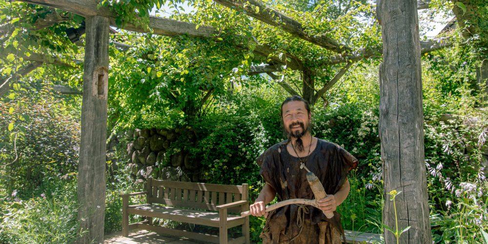 「すべての命をつなぐものづくり」を実現する道具が石<br>現代を生きる縄文人・雨宮国広さん